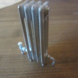 12th scale Dolls Hosue Tall Metal Radiator Kit  4 section Tall   DH227