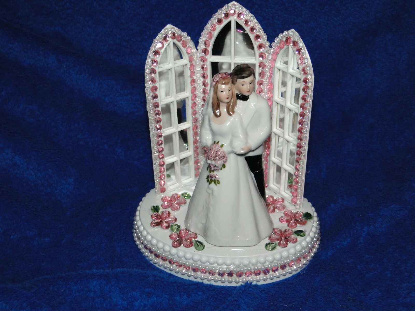 New Chapel Church Mirroruge Windows Cake topper with Bride & Groom & rose Decor