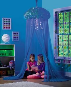 Hearthsong Aquaglow Light Up Jellyfish Hideaway Bed Canopy