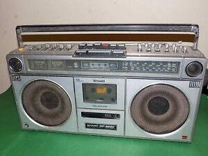 Stereo-Radio-Cassette-Boombox-Sharp-1980s-GF-9090-medidor-de-VU-Vintage-Repuestos-defectuoso
