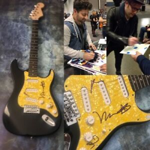 GFA-Pete-Wentz-Stump-Band-x4-FALL-OUT-BOY-Signed-Electric-Guitar-PROOF-COA