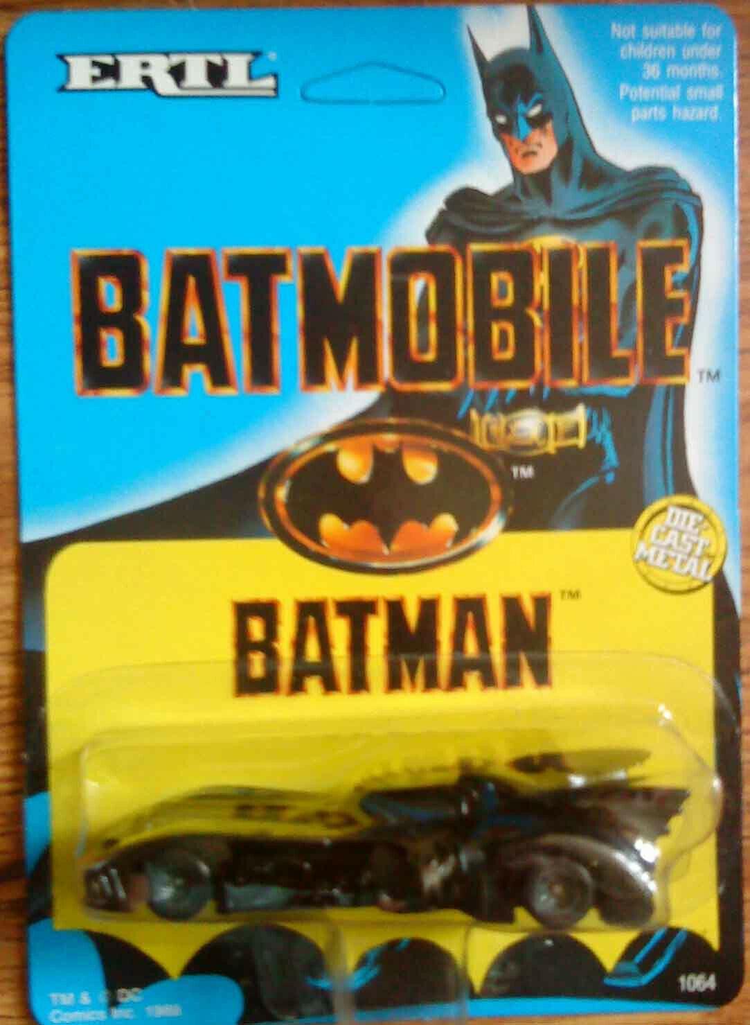 Ertl Batmobile Batman ENLOMADOR tarjeta