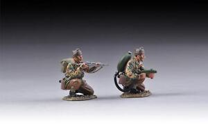 THOMAS-GUNN-COMM008-WWII-British-Commando-Flamethrower-Team