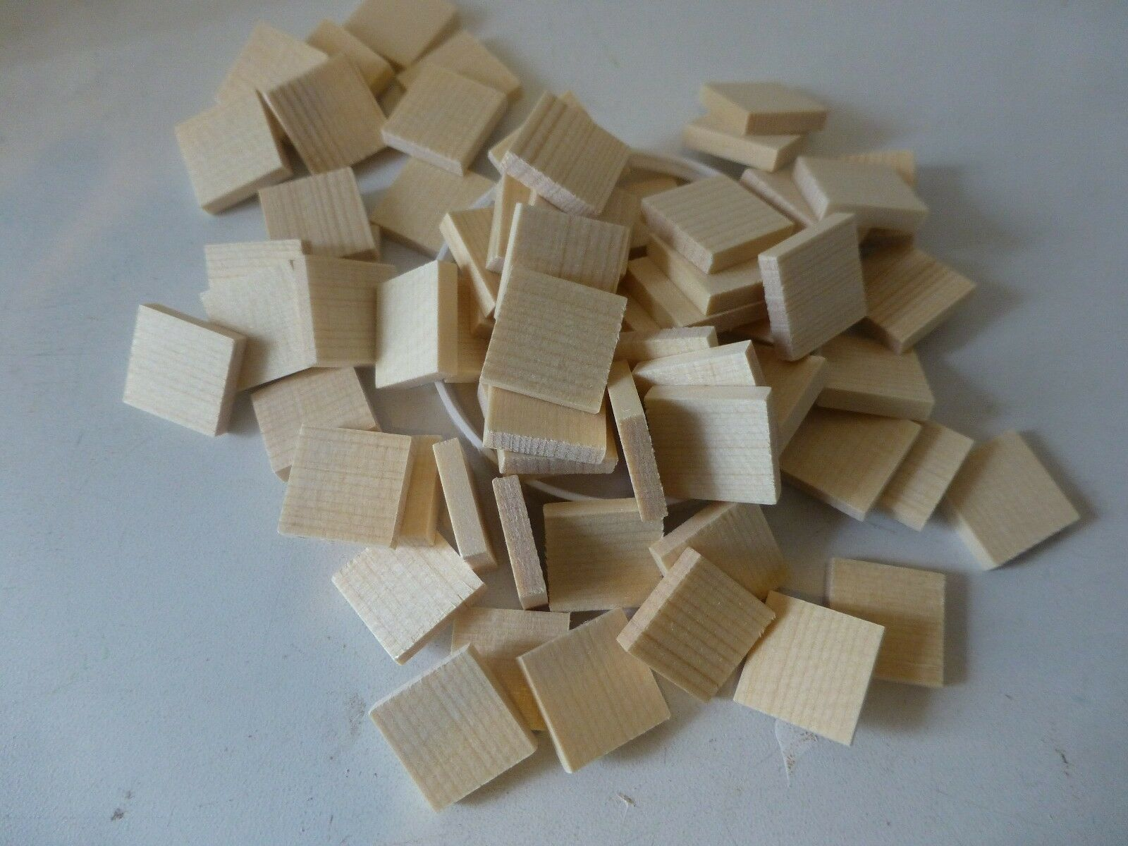 19X19X4MM PRE-CUT SQUARE SPRUCE 50 STRING INSTRUMENT REPAIR CLEATS FROM UK!