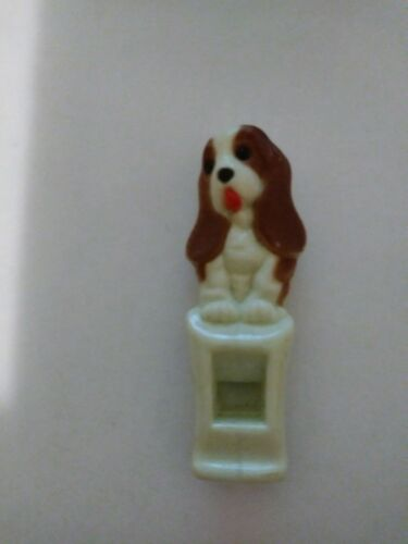 """Vintage Hush Puppies Shoes 2/"""" Plastic Whistle Basset Hound Advertising Piece"""