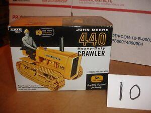 1/16 John Deere 440 Crawler - 2005 Show toy in box
