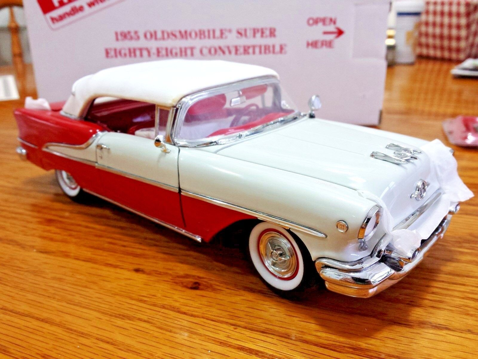 Danbury Mint 1955 Oldsmobile Super Eighty Eight Congreenible 1 24 Die Cast 121