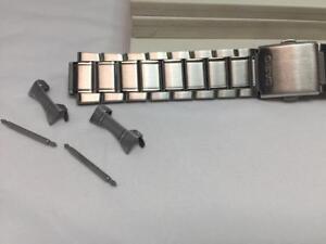 Montre Casio Band MDV 106 D Bracelet. 22 mm tous en acier  cja7j