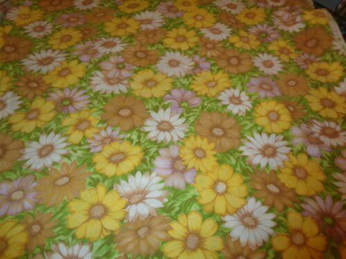 ADORABLE VTG DAISY FLORAL FULL FLAT BED SHEET MULTI COLORS VNUC