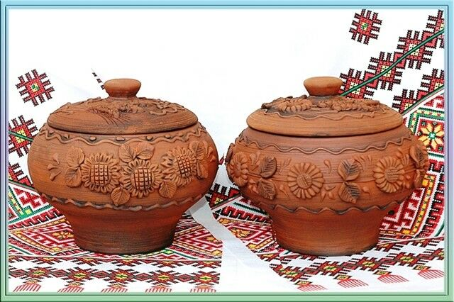 Ceramic clay pots for cooking in the oven