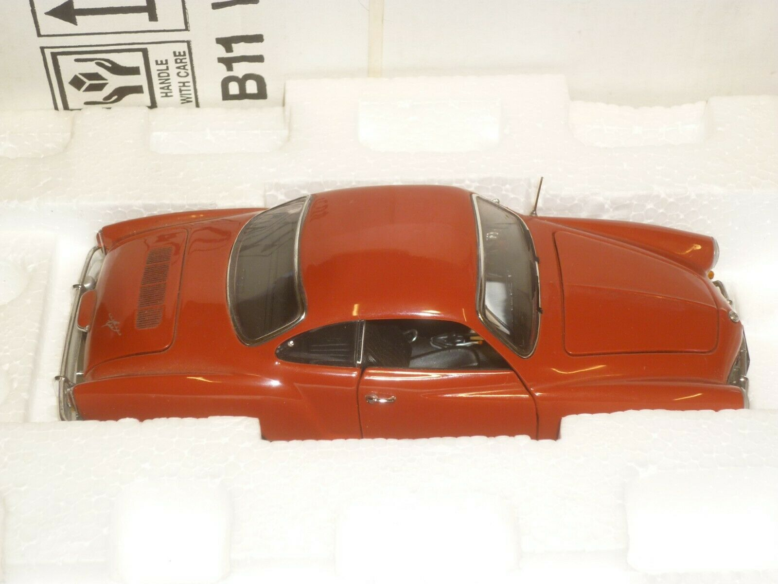 Un Franklin Comme neuf scale model of a 1967  Volkswagen KarhomHommes Ghia, boxed & papiers  distribution globale