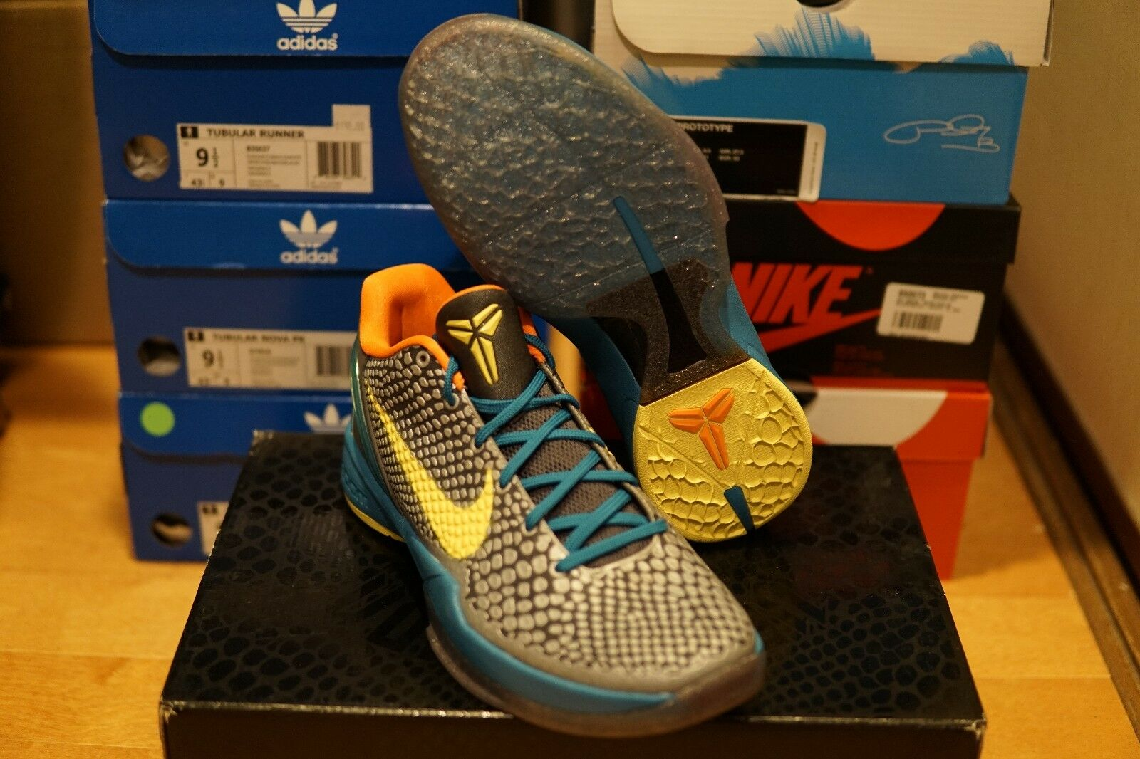 NEW Nike Zoom Kobe VI Helicopter sz9.5 Bryant Lakers glass blue snakeskin DS