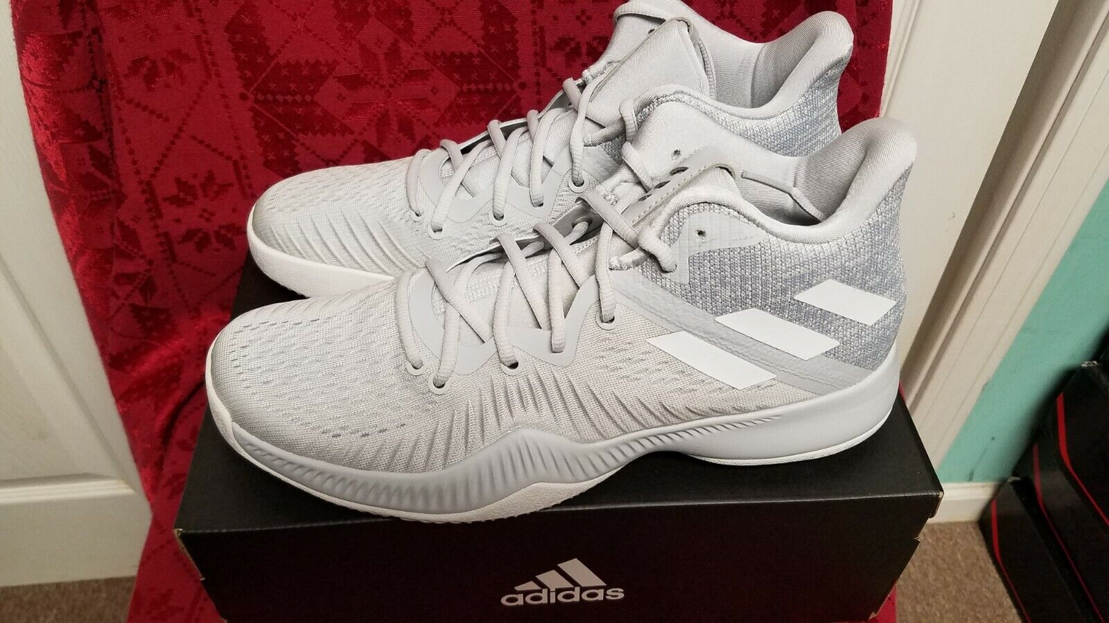 ADIDAS MAD BOUNCE MENS GREY BASKETBALL SHOES    SIZE  9.5