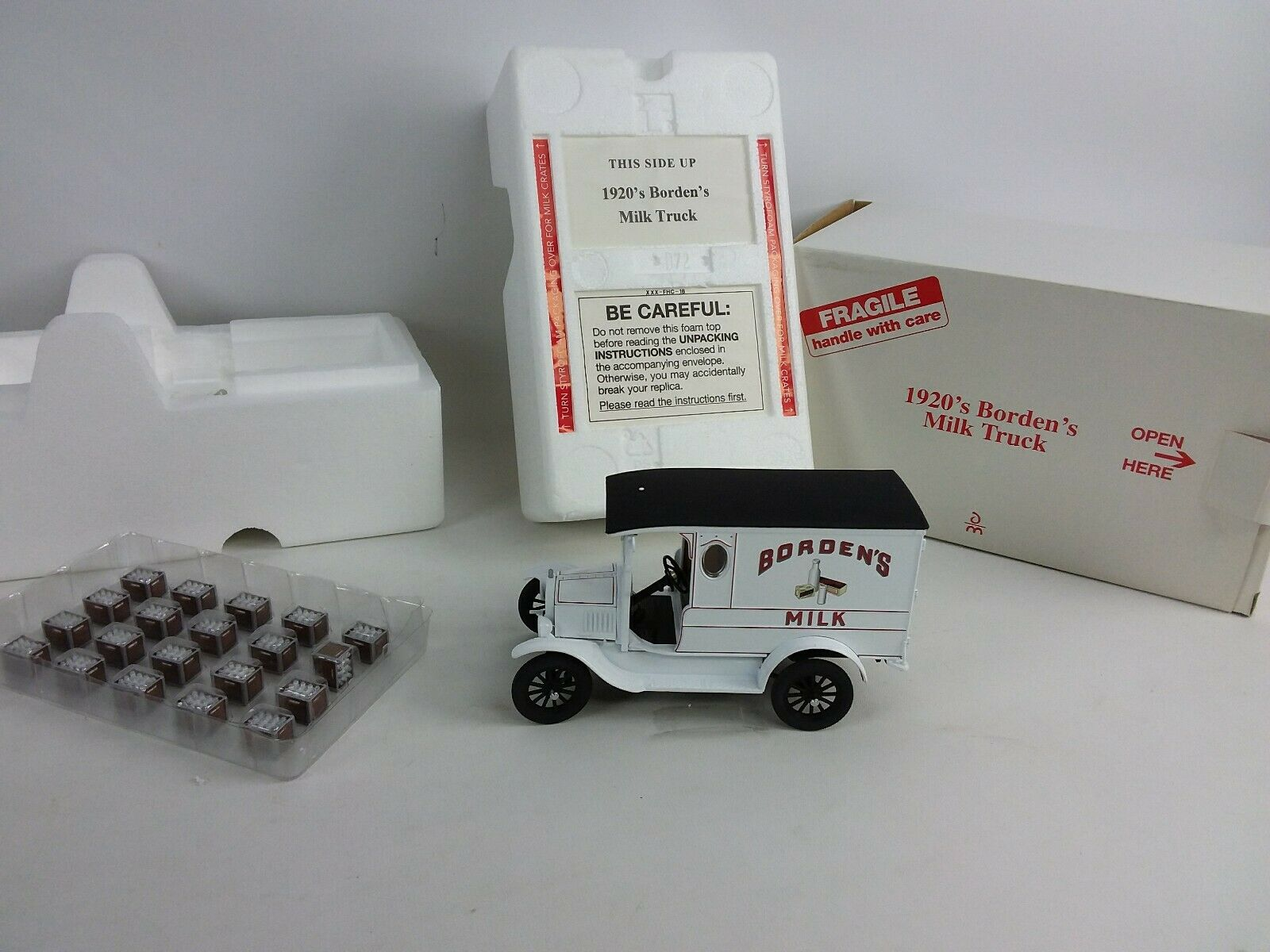 Danbury Mint 1920 Borden Milk Truck with Box