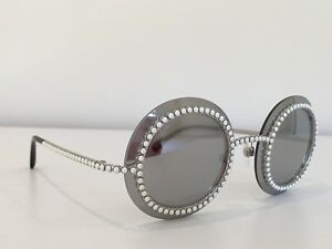 d1c8949fa8a22 Auth CHANEL 71140 L2467 3N Silver Gray Round Pearls Mirrored Runway ...