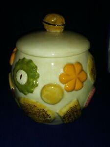 Vintage-Los-Angeles-Pottery-Cookies-All-Over-Cookie-Jar-Walnut-Knob-Lid-1950s