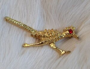 5f3b80e348bf Image is loading Vintage-Gold-Tone-Roadrunner-Red-Rhinestone-Eye-Collectible -