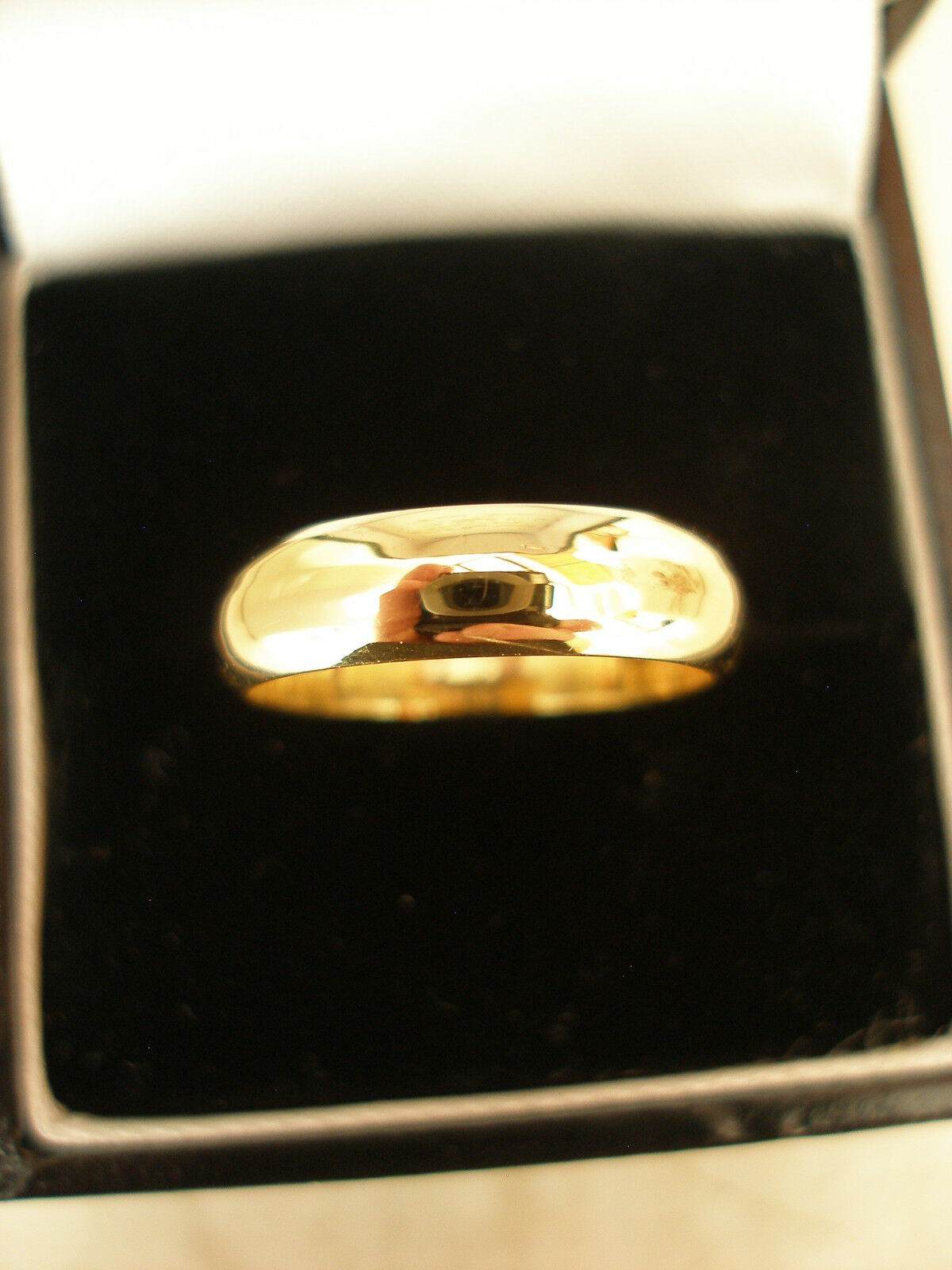 18 CARAT YELLOW gold 5MM HEAVY D SHAPE WEDDING RING BRAND NEW IN BOX