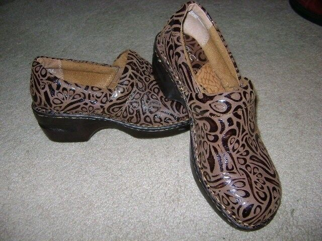 Born Clogs  brown tooled leather Women's 7.5 M/W /