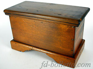 Cassapanca antica in legno arte povera baule cassapanche for Finestra legno antica