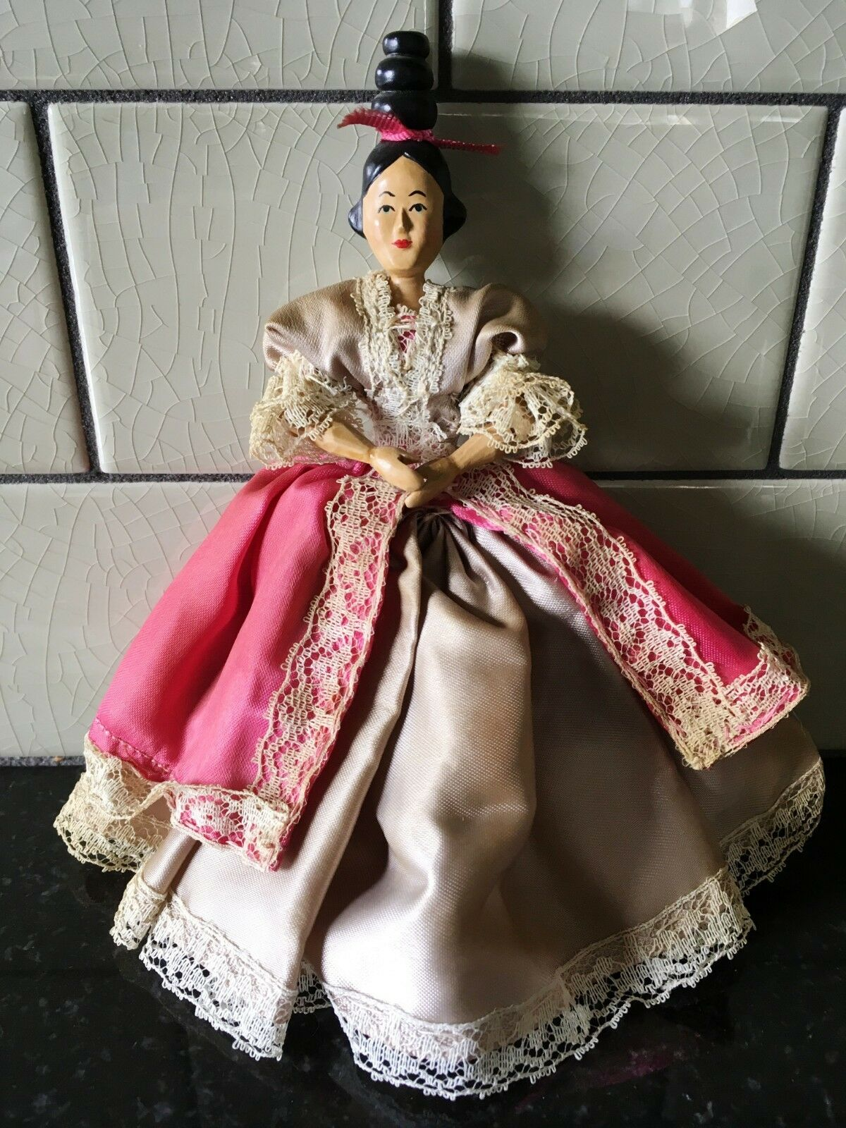 Artista Sherman Smith 7  Articulado De Madera Tallada muñeca vestida de casa de muñecas firmado 1962