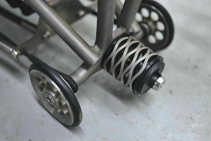 Japan Matumura Kohki Scrolve SpRings Suspensie voor Brompton Bicycle