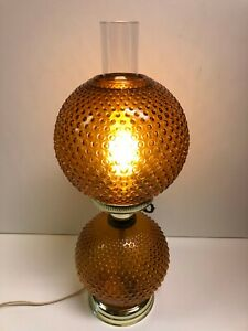 Vintage-GWTW-Amber-Hobnail-3-Way-Hurricane-Stand-Lamp-Light-20-034-Tall
