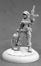 Evie Post Apocalyptic Heroine 50283 - Chronoscope Reaper MiniaturesD&D Wargames