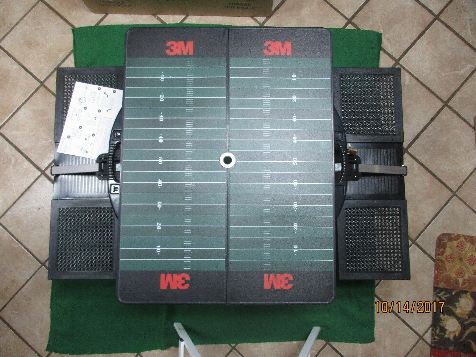 NEW PICNIC FOOTBALL TIME 3M FOOTBALL PICNIC FIELD PORTABLE FOLDING TABLE WITH SEATS 811-00-175 981742
