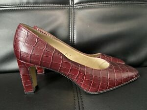 Etienne-Aigner-RARE-Leather-Faux-Croc-Embossed-Pumps-Heels-Size-9-5-Best-Price
