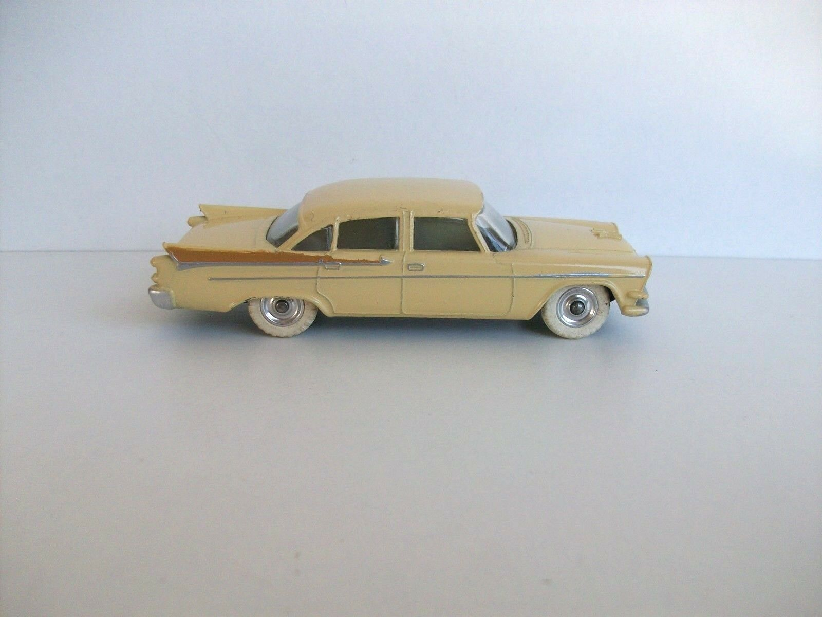 Dinky toys Dodge Royal Sedan Réf 191