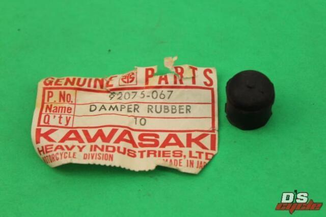 KAWASAKI OIL TANK RUBBER DAMPER F6 F7 1971-1975 NOS//OEM 92075-067