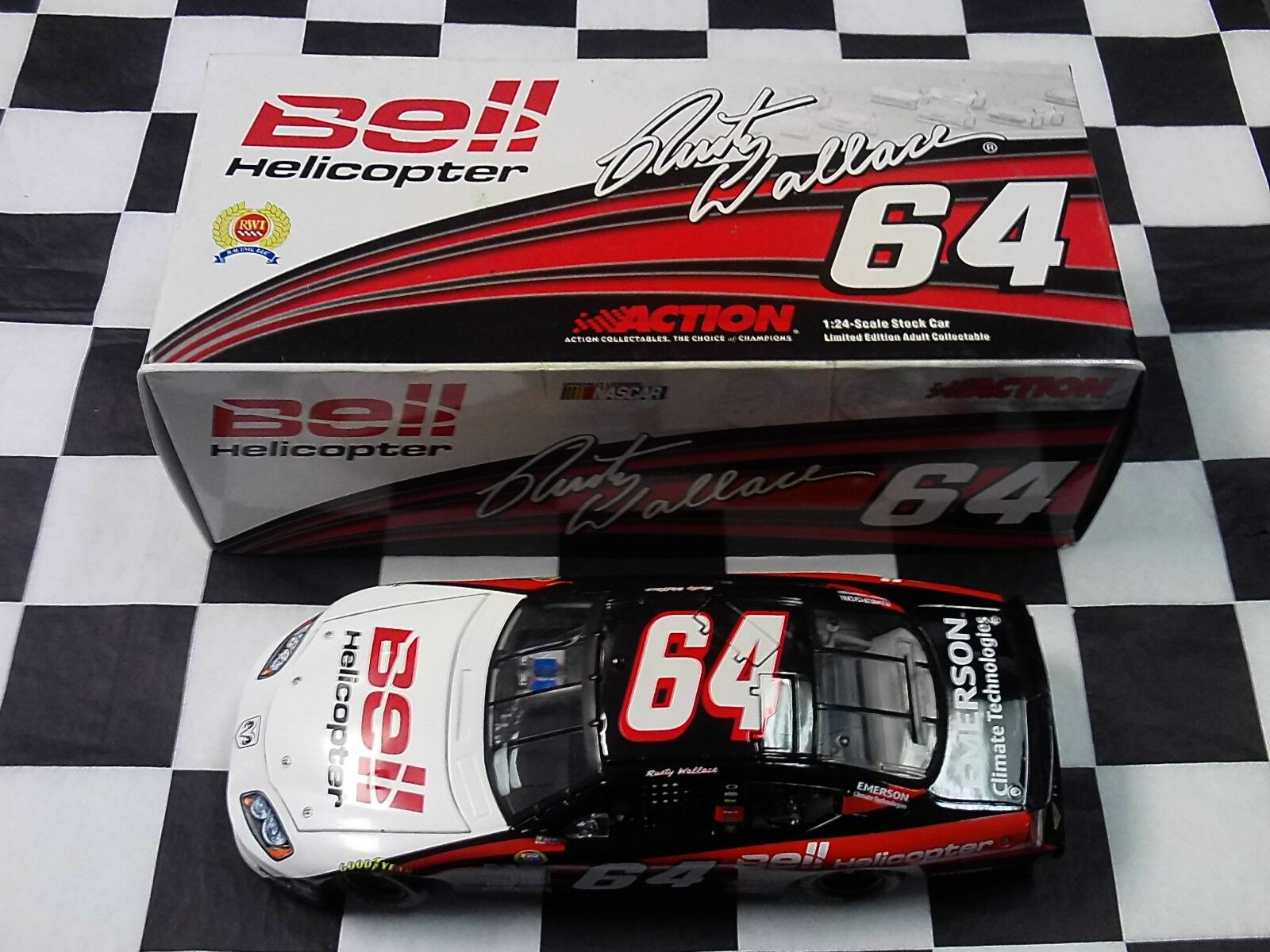 Rusty Wallace  64 Bell Helicopter 2005 Chargeur 1 24 Action NEW NASCAR 109621