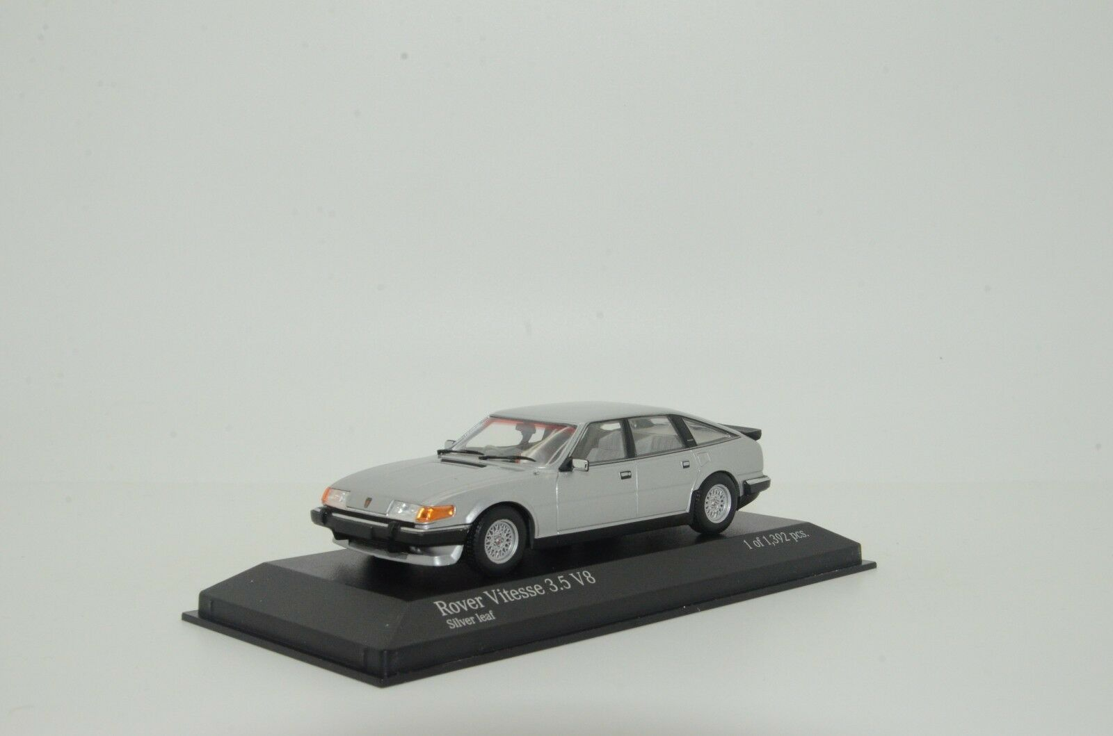connotación de lujo discreta      rara    Rover Vitesse 3.5 V8 1986 plata Minichamps 138500 1 43  hermoso