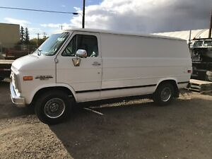1990 Chevrolet G20 Van low km 180k
