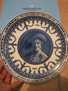 Wedgwood-Queen-Mother-Collectors-Plate-BNIB