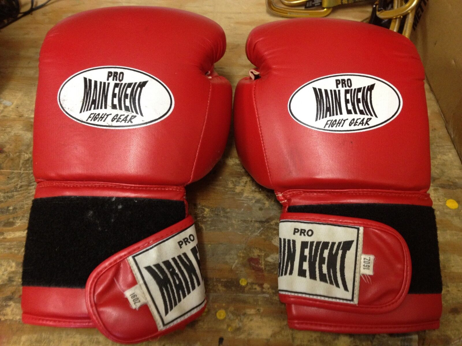 16 oz Pro Main Event Fight Gear Boxing G  s, Red  enjoy saving 30-50% off