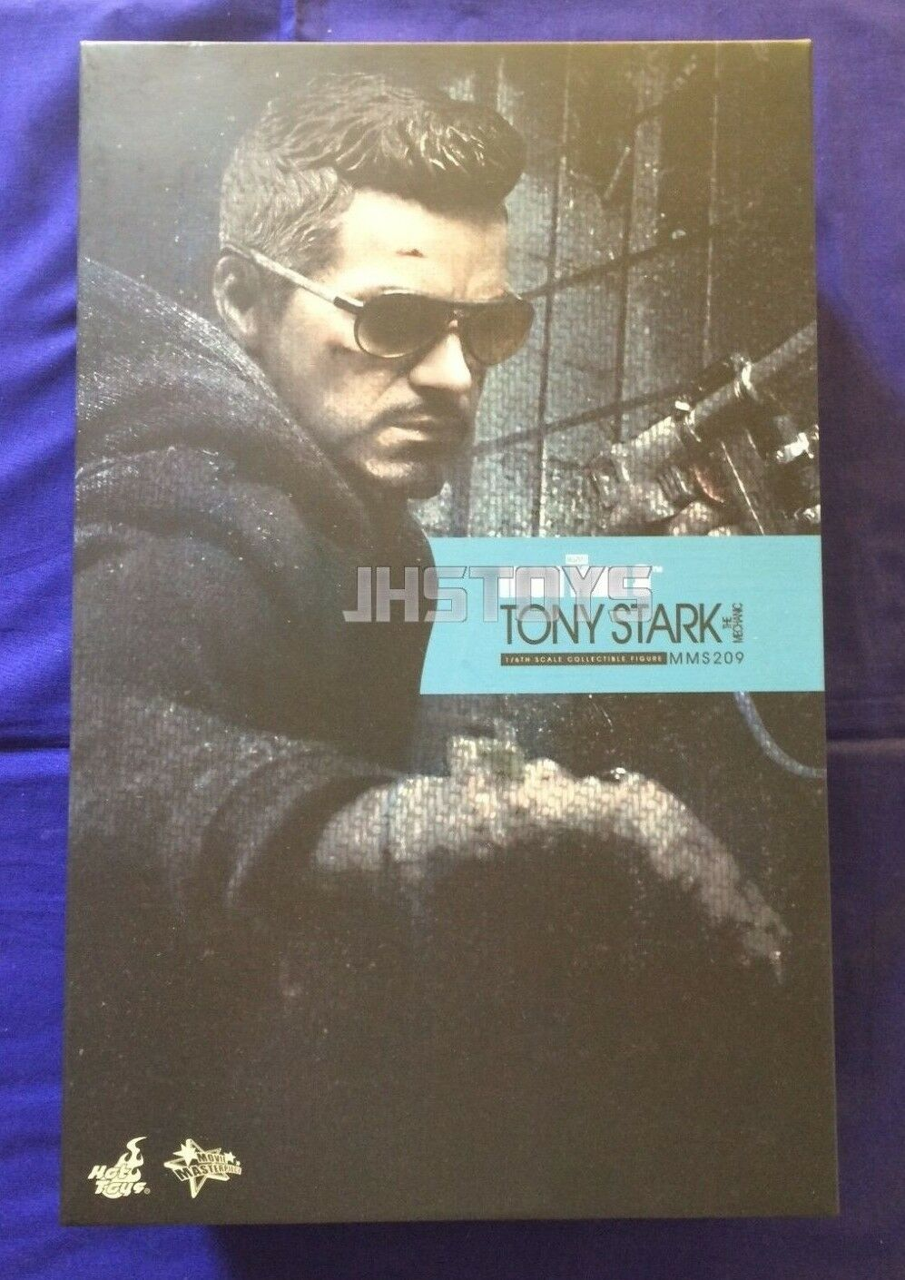 Hot Toys 1/6 Iron Man 3 Tony Stark The Mechanic MMS209