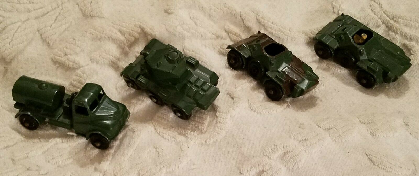 Lot Of 4 Lesney Made In England Army Metal Vintage Vehicles