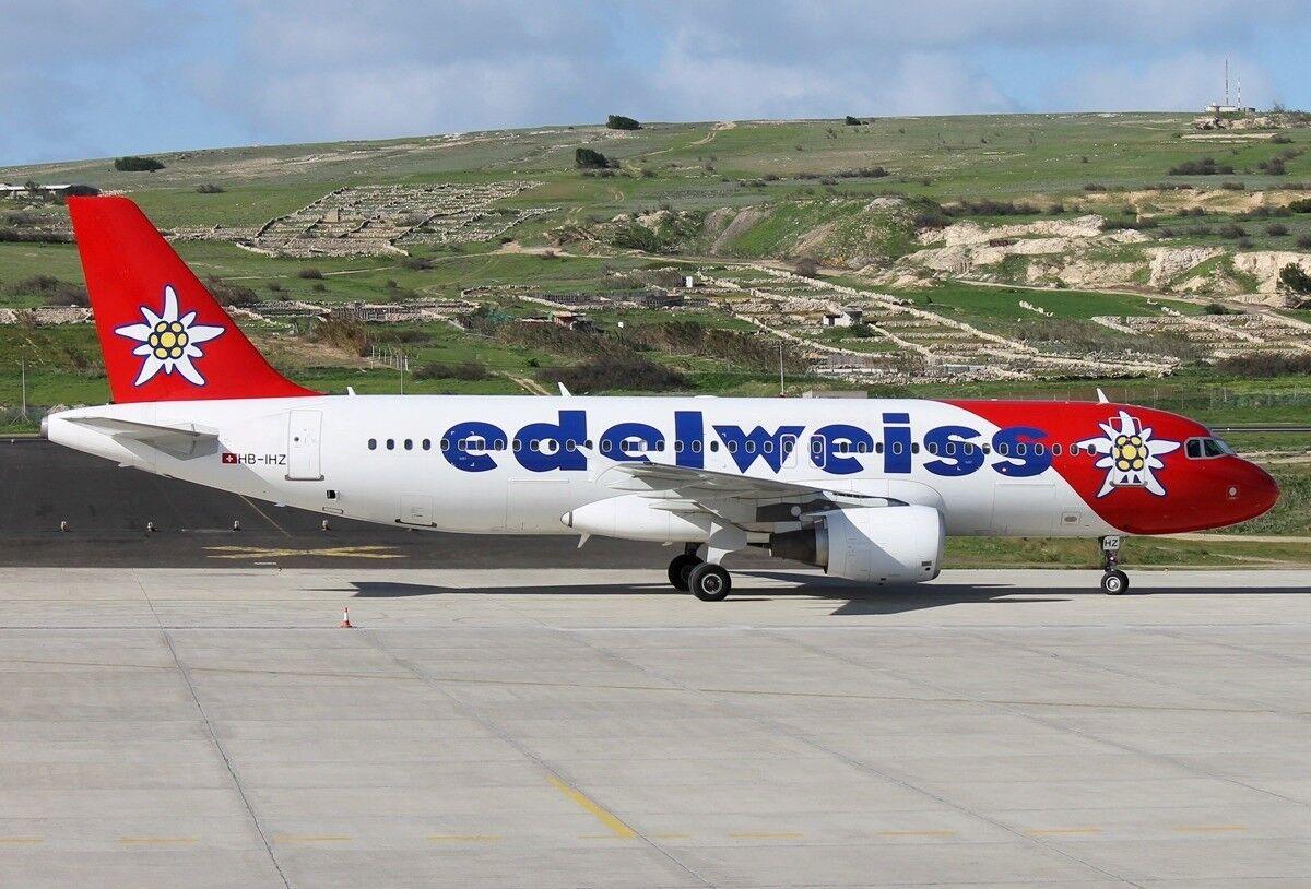 Jfox Jfa320019 1 200 Edelweiss Luft Airbus A320-214 Hb-Ihz mit Ständer