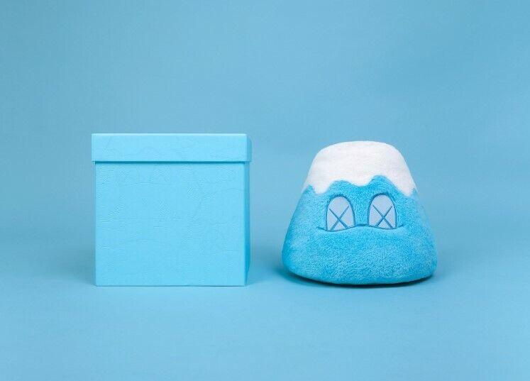 KAWS  HOLIDAY JAPAN Plush Mount Fuji Plush - - - blu 3e203f