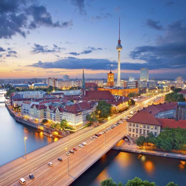 Berlin Luxus Wochenende für 2 Palace Hotel Wellness Pool Sauna Gutschein 3 Tage