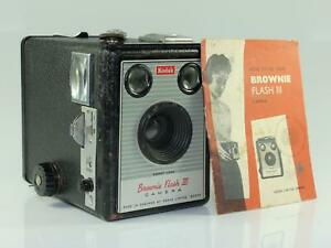Kodak-Brownie-Flash-III-620-Box-Camera-with-Original-Case-amp-Instructions