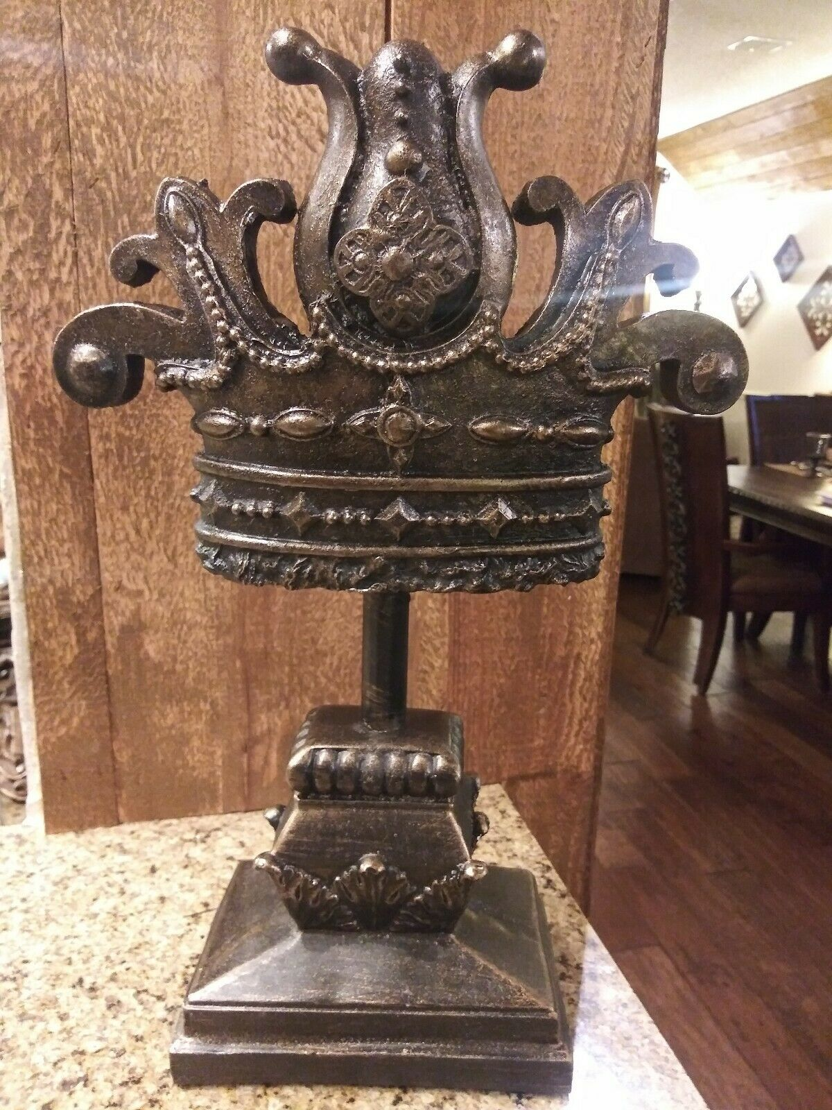 Crown Finial, Standing, Home Decor Tabletop Decorations, Office Decor NEW, fleur