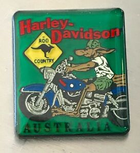 11743 HARLEY DAVIDSON PIN BADGE GREEN SQUARE AUSTRALIA ROO ON BIKE