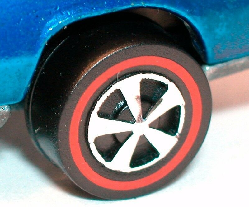 Hot Hot Hot Wheels Redline Wheels - Repro lot of 48 Medium Bearing Style (Push-on) 308040
