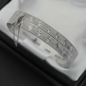 1989 Vintage Solid 925 Sterling Silver Diamond Cut Star Design Bangle Bracelet