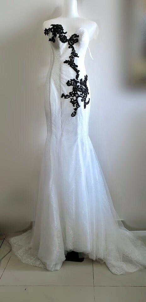 Sample sale white sparkle trumpet wedding/evening gownUS6-8 or UK/AU10-12