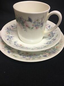 Wedgewood-Bone-China-Angela-Trio-Coffee-Cup-Saucer-Side-Plate-Vintage-Tea-Set