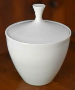 LOVELY-ARZBERG-WHITE-GERMANY-MID-CENTURY-MODERN-COVERED-SUGAR-BOWL